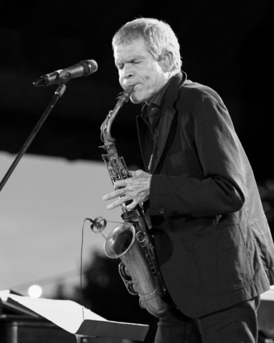 Picture of saxophonist David Sanborn